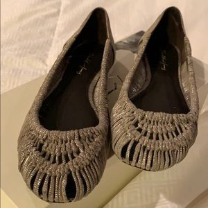 Elizabeth and Jane silver woven flats size 6.5